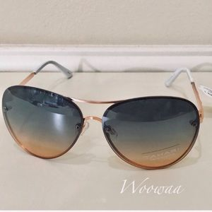 Brand new Tahari Sunglasses
